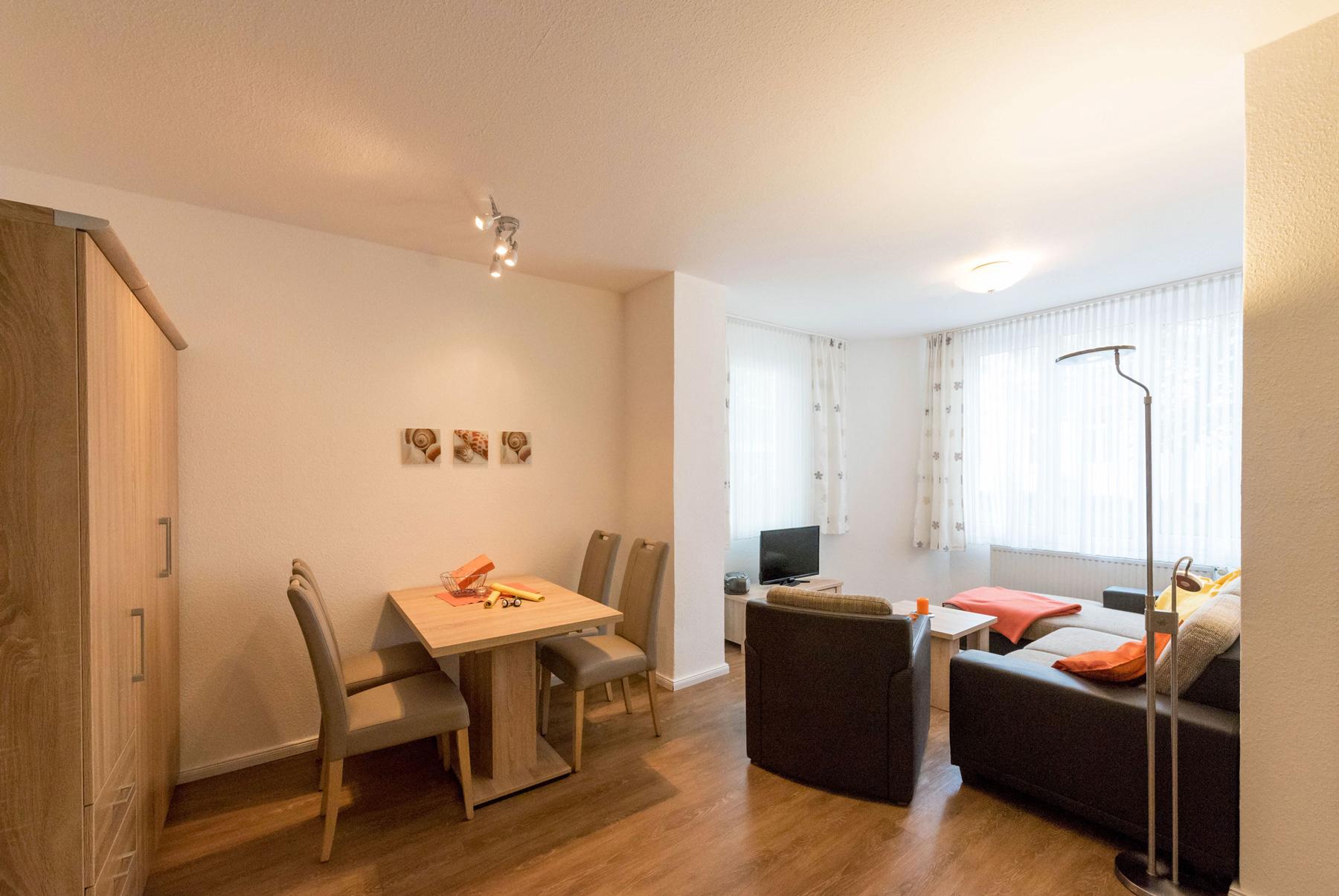 platz f r bis zu 3 personen in der wohnung 1 haus albatros. Black Bedroom Furniture Sets. Home Design Ideas