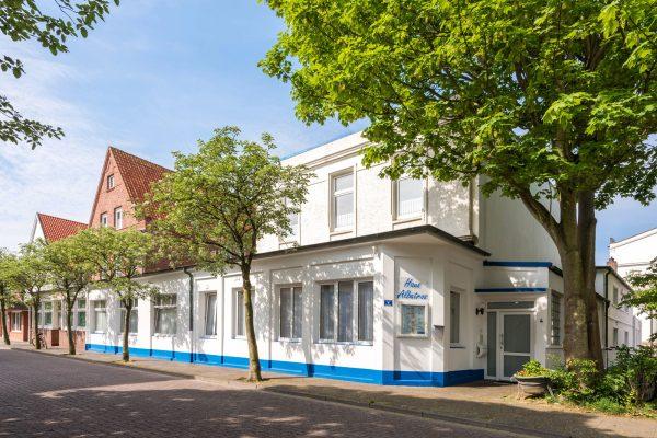 Ferienwohnung-Norderney-Haus-Albatros-Aussenansicht.