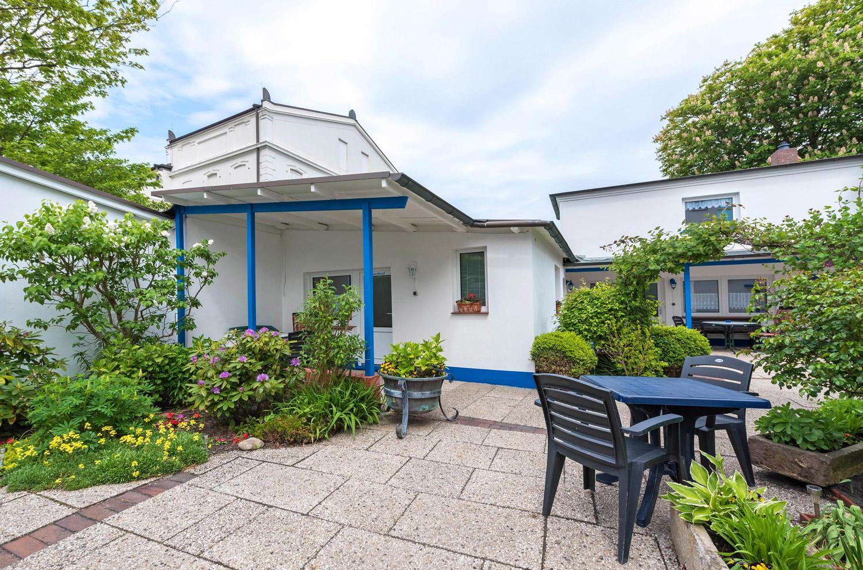 ferienwohnung norderney haus albatros innenhof 4 ferienwohnung norderney. Black Bedroom Furniture Sets. Home Design Ideas