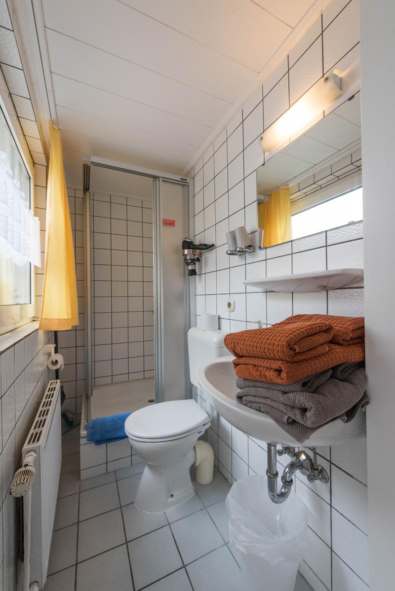 ferienwohnung norderney wohnung boje badezimmer ferienwohnung norderney. Black Bedroom Furniture Sets. Home Design Ideas